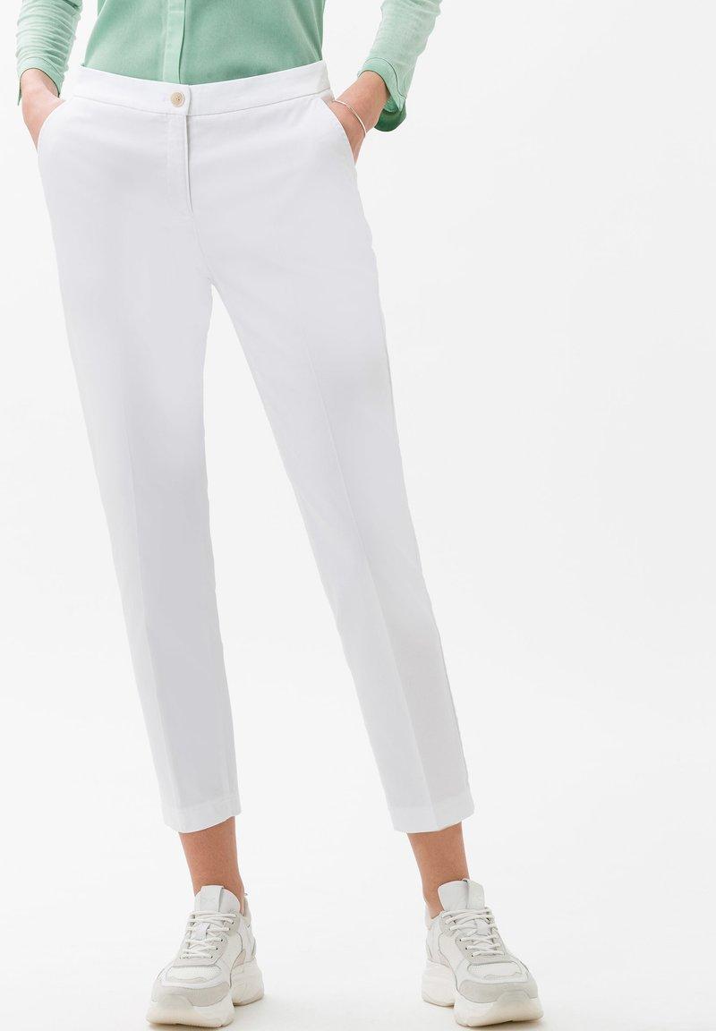BRAX - STYLE MARON - Trousers - white