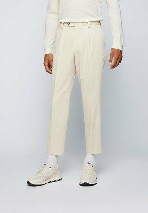 PERIN PLEAT - Trousers - open white
