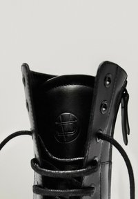 Massimo Dutti - Lace-up ankle boots - black - 6