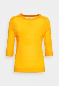 DAY Birger et Mikkelsen - WHITNEY - Basic T-shirt - season - 4