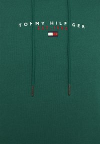 Tommy Hilfiger - ESSENTIAL HOODY - Huppari - rural green - 8