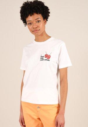 CANDY APPLES - Print T-shirt - white