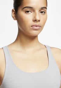 Nike Performance - THE YOGA LUXE CROP TANK - Top - particle grey/heather/platinum tint - 3
