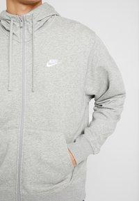 Nike Sportswear - M NSW FZ FT - Tröja med dragkedja - grey heather/matte silver/white - 5