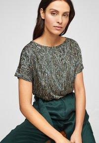 s.Oliver BLACK LABEL - Basic T-shirt - brown aop - 4