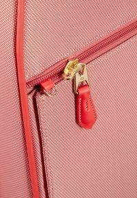 Samsonite - Wheeled suitcase - lipstick red - 3