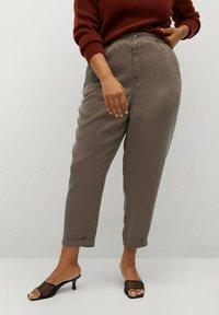 Violeta by Mango - NAIROBI - Trousers - mittelbraun - 0