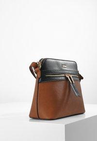 L. CREDI - FARALDA - Across body bag - cognac - 1