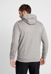 Nike Performance - THERMA  - Hættetrøjer - grey heather - 2