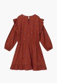 Soft Gallery - Denní šaty - red ochre - 1