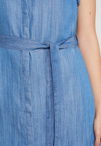 Mavi - SHORT SLEEVE DRESS - Jeanskleid - light indigo - 6