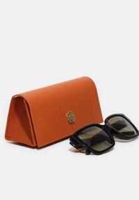 Tory Burch - Sunglasses - black - 2