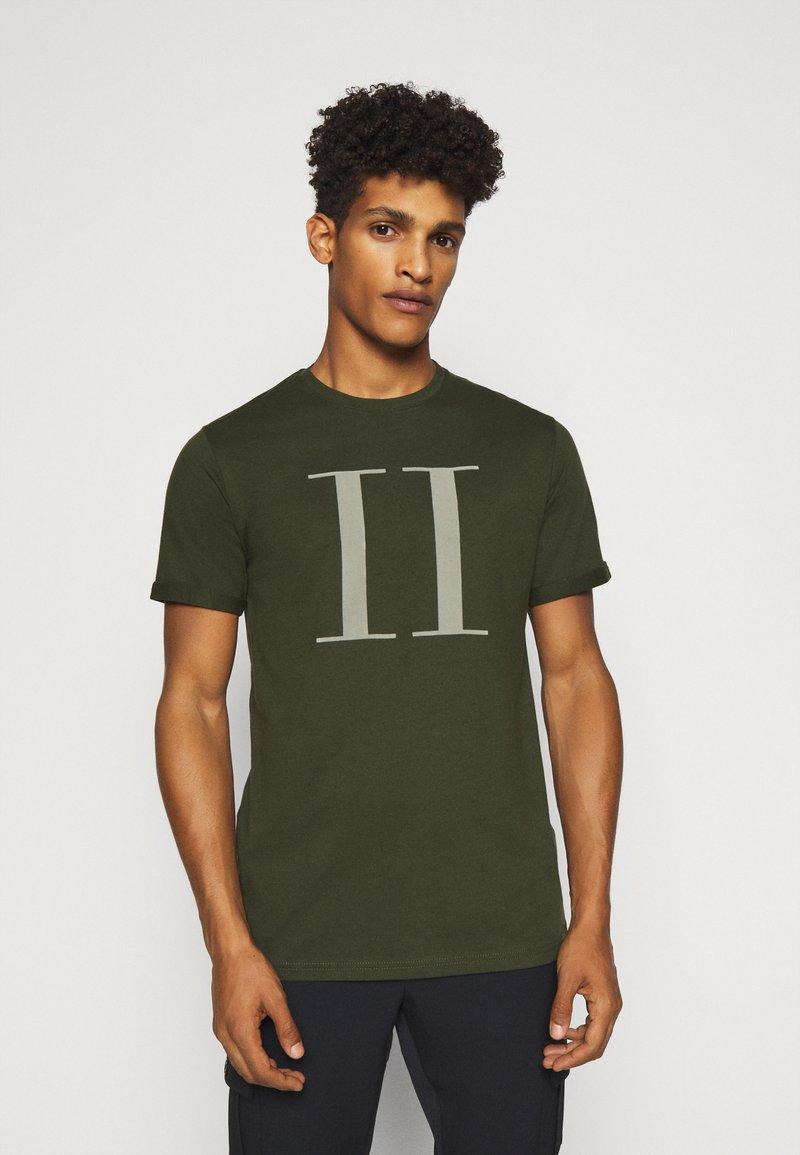 Les Deux - ENCORE  - T-shirts print - deep forrest/sleet grey