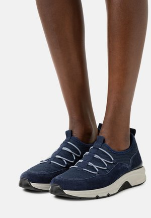 Sneakers laag - marine