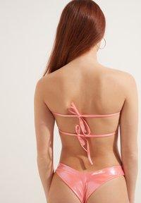 Tezenis - MIT RAFFUNG GLOSSY - Bikini top - rosa nude - 1