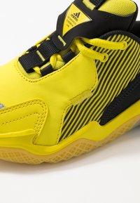 adidas Performance - 4UTURE RNR - Neutrální běžecké boty - core black/shock yellow - 2