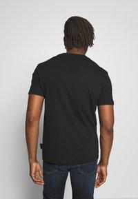 Versace Jeans Couture - FLORAL RAT LOGO - T-shirt print - black - 2