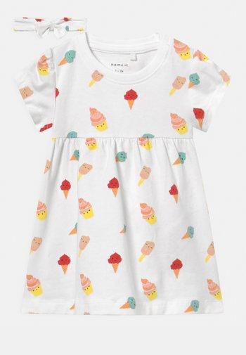 NBFJILLY - Jersey dress - bright white