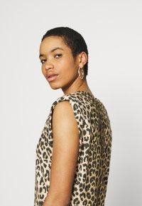 AllSaints - CONI DROPOUT DRESS - Jersey dress - brown - 5