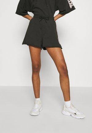PRINTED - Shorts - raven