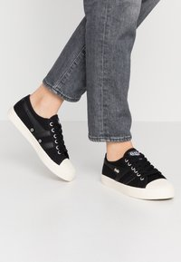 Gola - COASTER - Sneakersy niskie - black/offwhite - 0