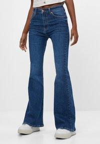 Bershka - Jeans bootcut - blue - 0