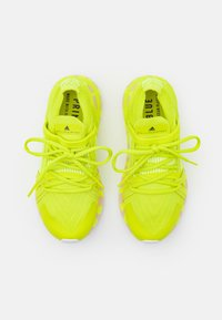 adidas by Stella McCartney - ULTRABOOST 20 S. - Neutrální běžecké boty - acid yellow/pearl rose - 3