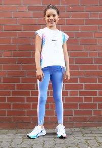 Nike Performance - BREATHE INSTACOOL - T-shirt print - multi-coloured - 3