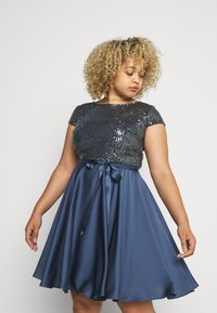 Swing Curve - Cocktailjurk - medium blue - 0