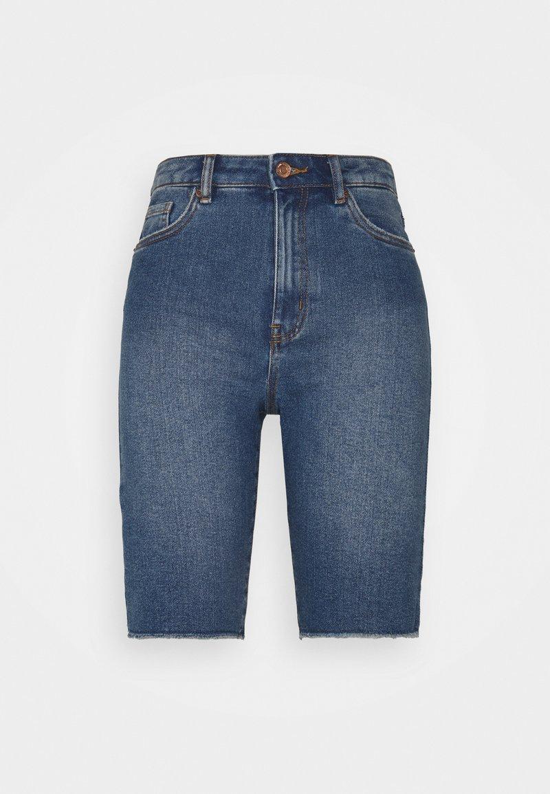 Vero Moda Petite - VMLOA FAITH - Denim shorts - medium blue denim