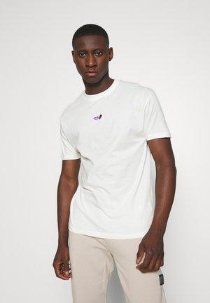 CREEK TEE - Jednoduché triko - white
