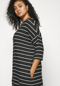 CAPSULE by Simply Be - SOFT TOUCH SIDE POCKET - Long sleeved top - charcoal - 3