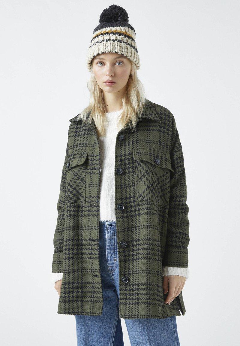PULL&BEAR - Summer jacket - green