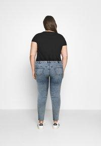 Zizzi - AMY SHAPE - Jeans Skinny Fit - stone washed - 2