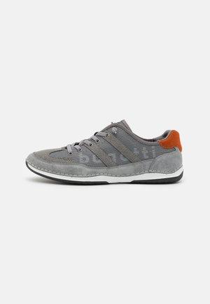 KOVAK - Trainers - grey