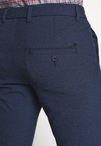 Jack & Jones - JJIMARCO JJCONNOR SOLI - Pantalones - navy blazer - 5