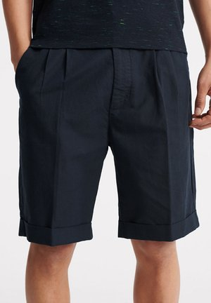 SUPERDRY EDIT PLEAT CHINO SHORTS - Shorts - chrome navy