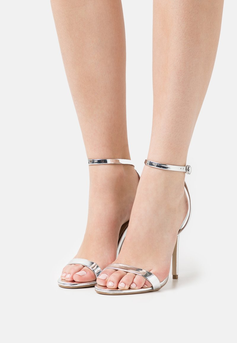 Missguided - BASIC BARELY THERE - Sandalias de tacón - silver