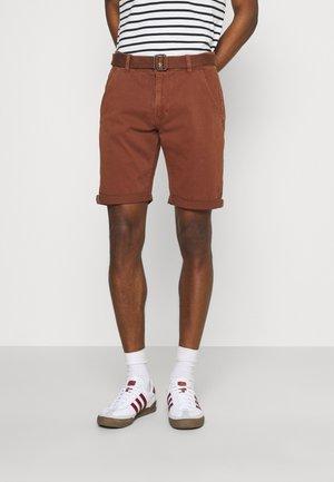KAISER CHINO EXCLUSIV - Shorts - bootbeer