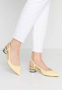 Who What Wear - EDEN - Classic heels - yellow - 0