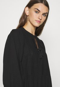 Vero Moda - VMMUSTHAVE BOHO 3/4 TUNIC  - Denní šaty - black - 4