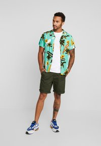New Look - SURF BOARD TROPICAL - Shirt - turquoise - 1