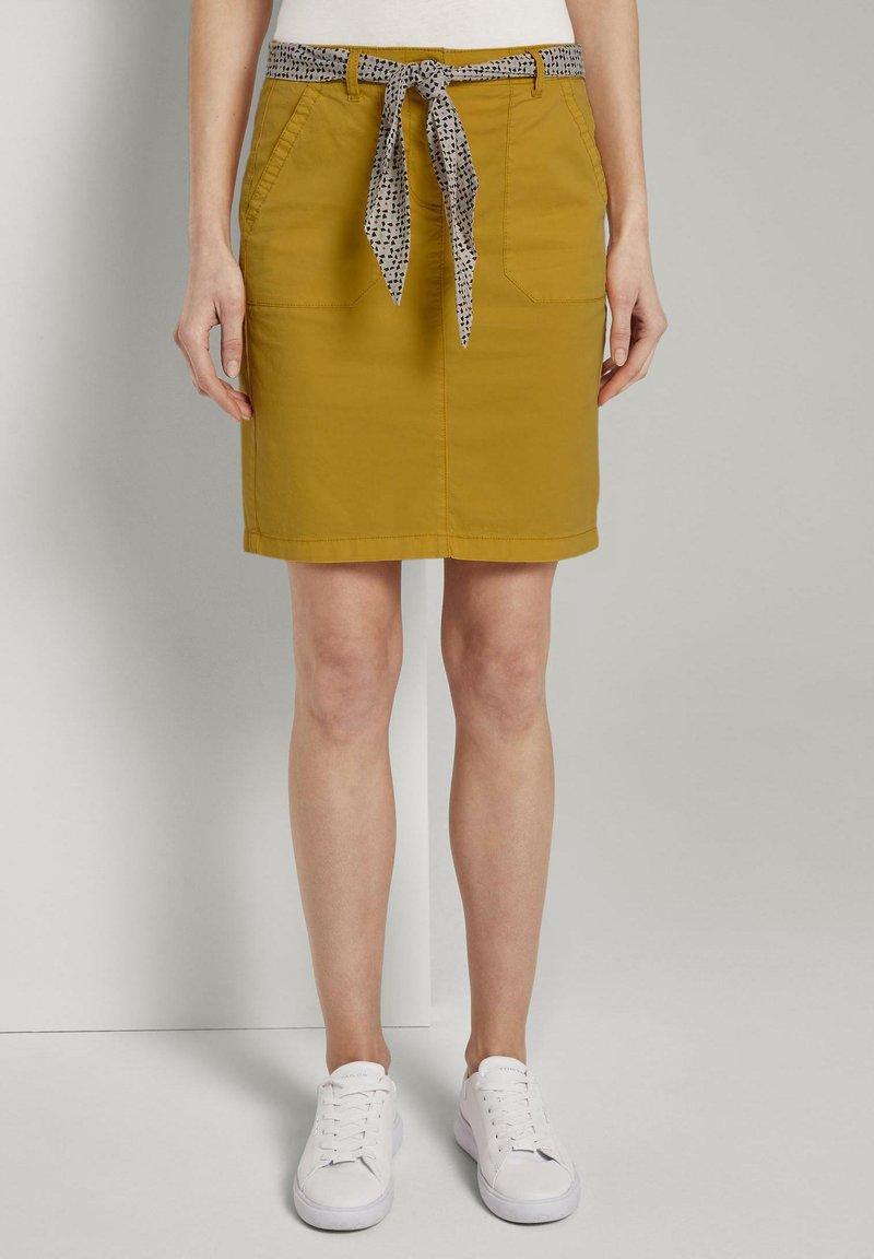 TOM TAILOR - Pouzdrová sukně - deep golden yellow