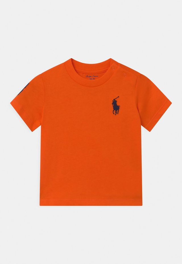 T-Shirt print - sailing orange