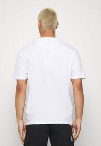 FAKTOR - MANGA TEE - Print T-shirt - white - 2