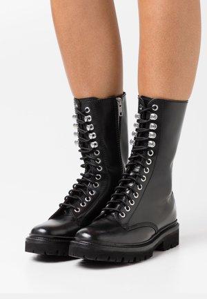 ARDEN - Stivali con i lacci - black colorado