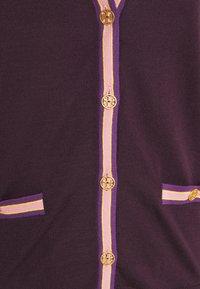 Tory Burch - COLOR BLOCK MADELINE CARDIGAN - Cardigan - festive dark purple - 5