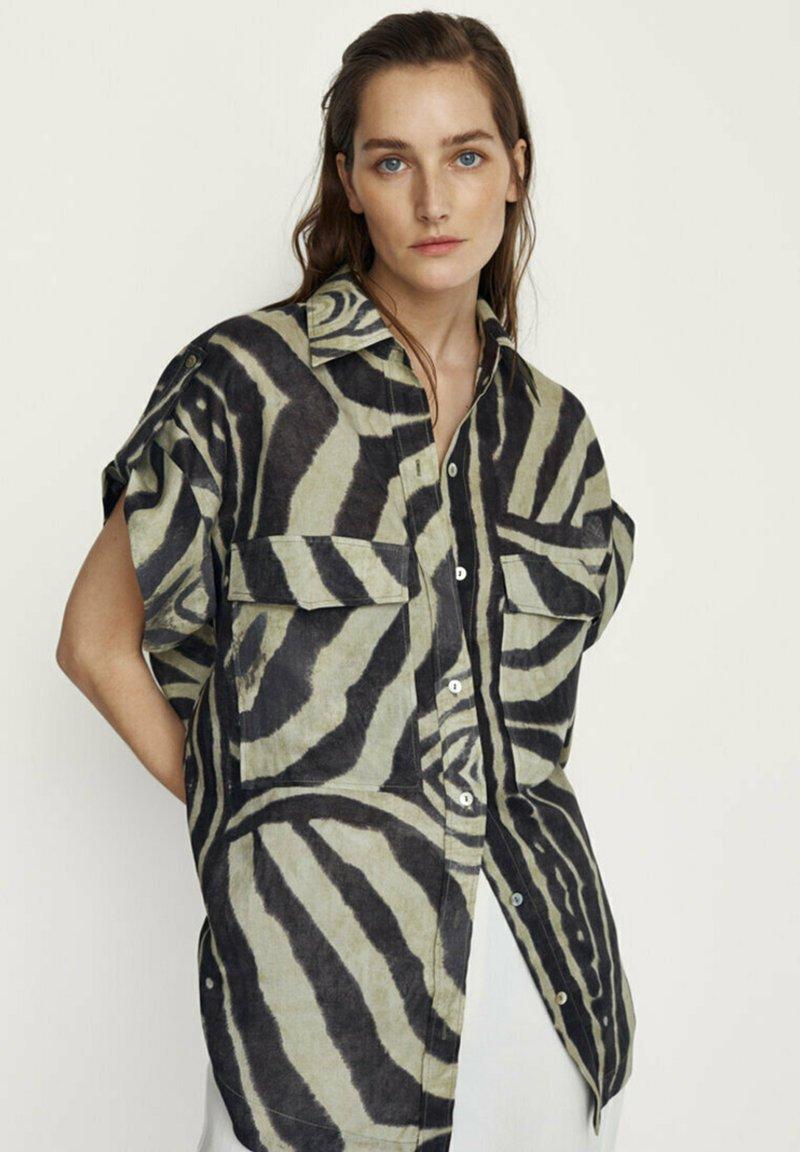Massimo Dutti - Button-down blouse - khaki