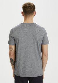 Matinique - JERMANE - Print T-shirt - dark navy - 2