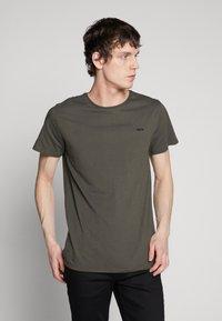 Tigha - HEIN - T-shirt - bas - military green - 0